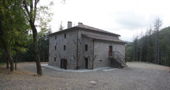 Casa Tonino Bello, Strabatenza